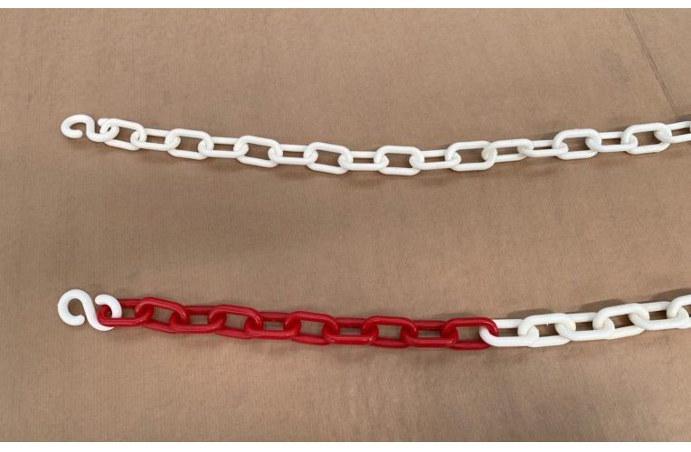 Whitered plastic chain with hooks